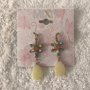 NWT MIXIT Goldtone Hanging Earrings w/Faux Stones